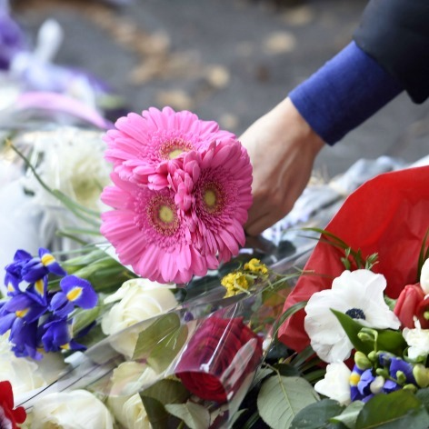 flowers-for-paris-attacks