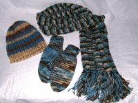 cap-scarf-mittens-200